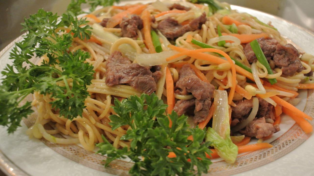Chow mein de carne recetas for Como preparar repollo